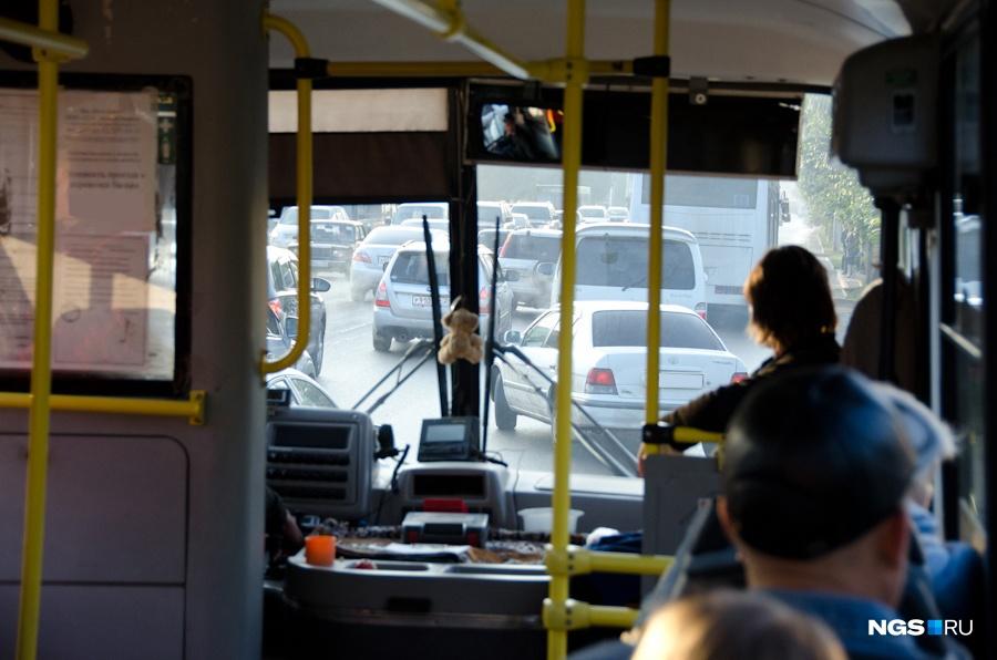 Кузбассовцы смогут бесплатно ездить наобщественном транспорте вРадоницу
