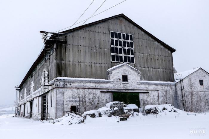 Ажурные конструкции скрываются под кирпичом и шифером. Фото: Наталья Бурухина