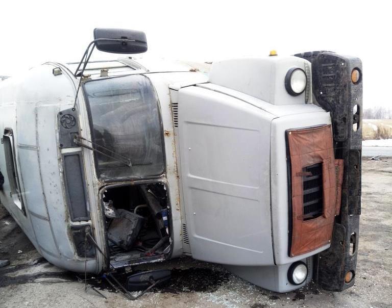 Женщины идети пострадали при столкновении иномарки савтобусом вГородецком районе