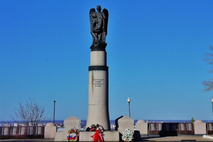 Памятник погибшим в Афганистане и Чечне передают в муниципальную казну