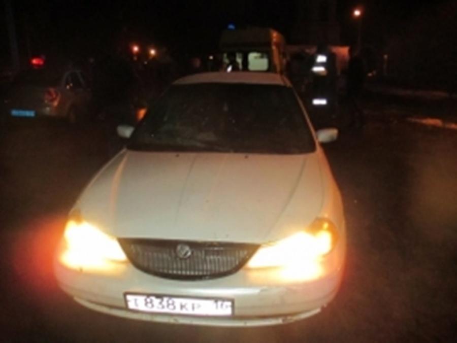 Шофёр без прав сбил 2-х пешеходов вКстовском районе