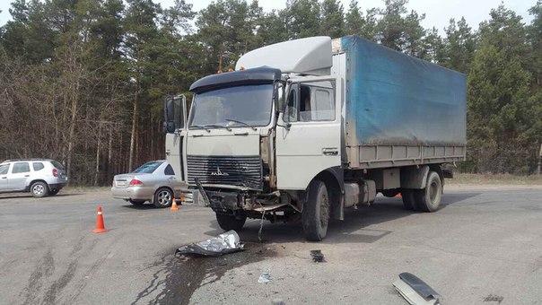 Шофёр «Hyundai» умер при столкновении с фургоном вДзержинске
