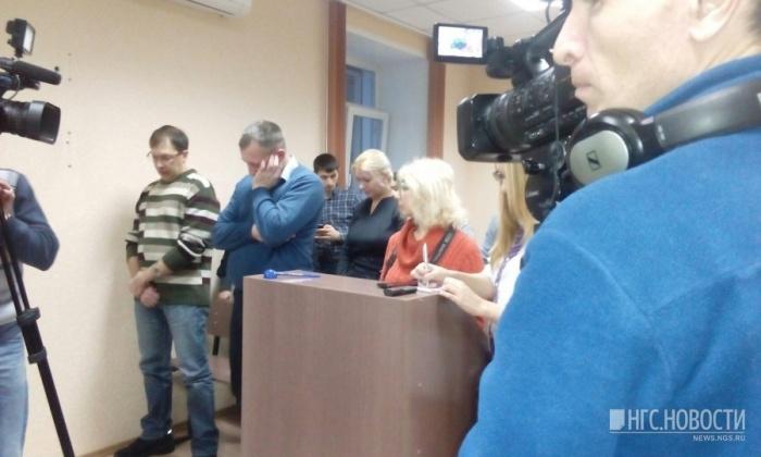 Во время вынесения приговора в Дзержинском районном суде (16 декабря 2016 года)