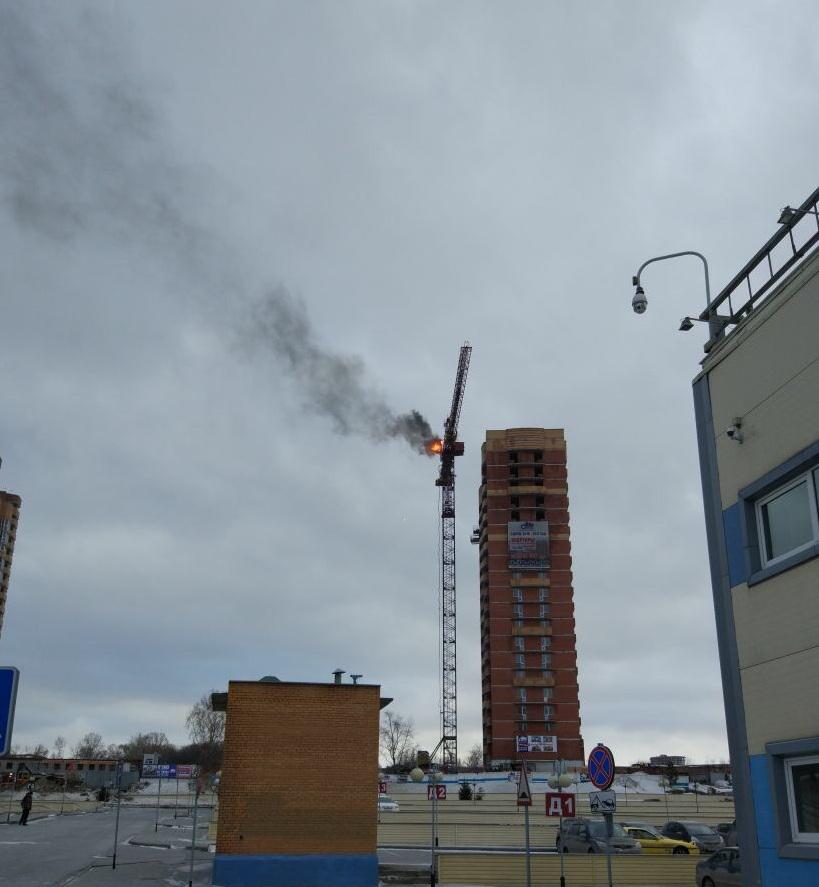 Новосибирские cотрудники экстренных служб потушили пожар на50-метровой высоте