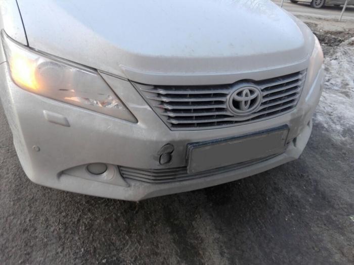 «Волга» без водителя поехала наперерез «Тойоте» и устроила ДТП (фото)