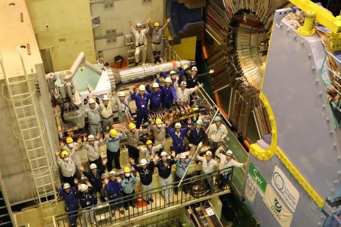 Ученые на установке детектора Belle II