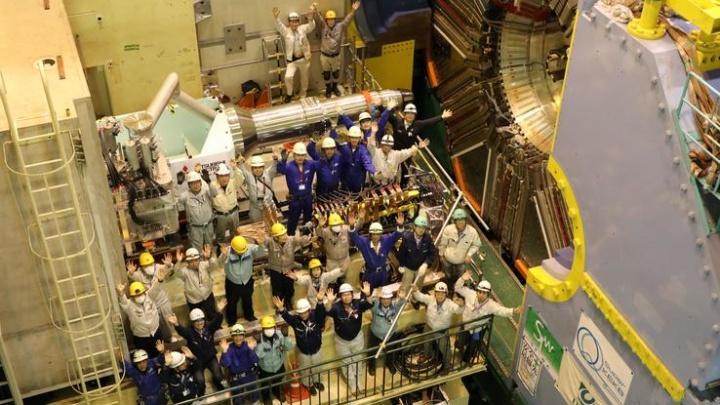 Новосибирские ученые установили 40-тонное оборудование в японском центре КЕК