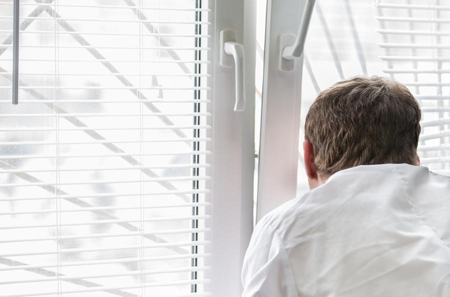 ВКрасноярске ребенок выжил, спрыгнув сседьмого этажа
