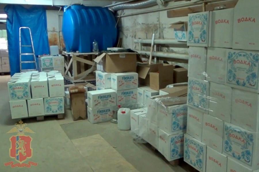 ВКрасноярске милиция изъяла неменее 15 тонн контрафактного алкоголя