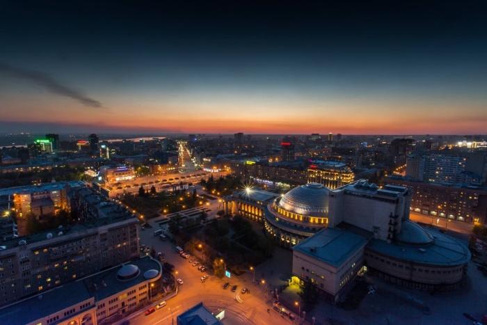 В видеоряде должны быть виды панорамы ночного Новосибирска