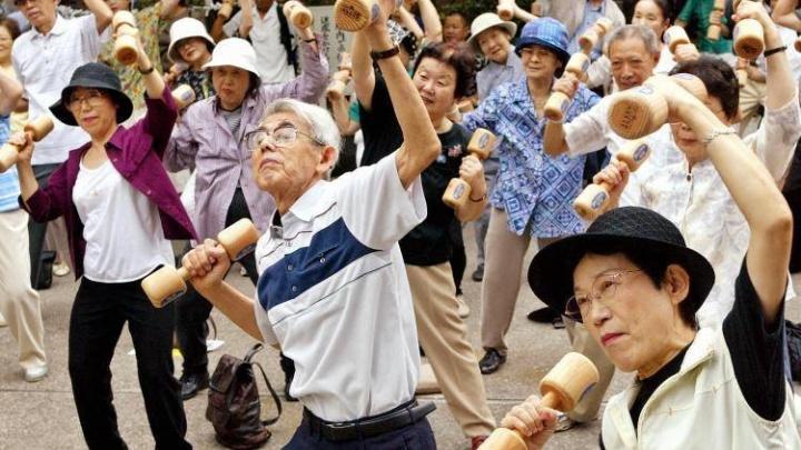 Средство от старости предложили сибирякам китайские врачи