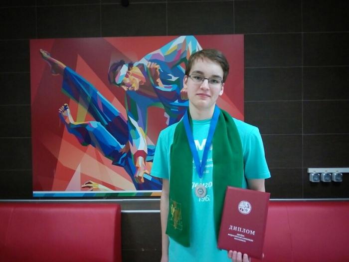 16-летний призер олимпиады Сергей Шерстюк