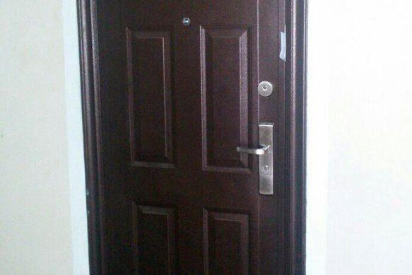 Офис «Фломаркета» закрыт — в двери оставлено уведомление от ФНС