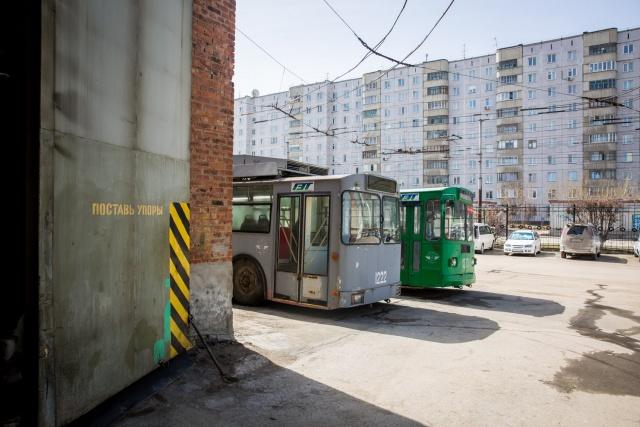 Сегодня в Новосибирске на линию выходят 284 троллейбуса и 129 трамваев