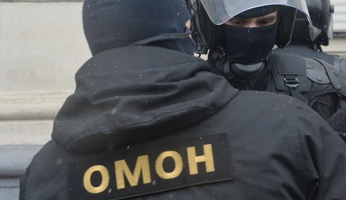 ОМОН увез 80 человек с «Левобережного» рынка