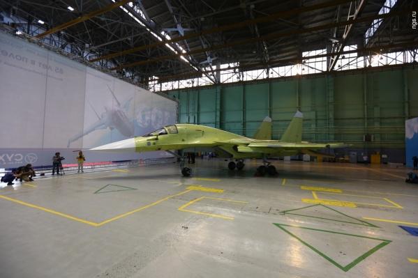 Летом 2016 года завод им. Чкалова собрал сотый Су-34 для Минобороны. Фото из архива НГС<br>
