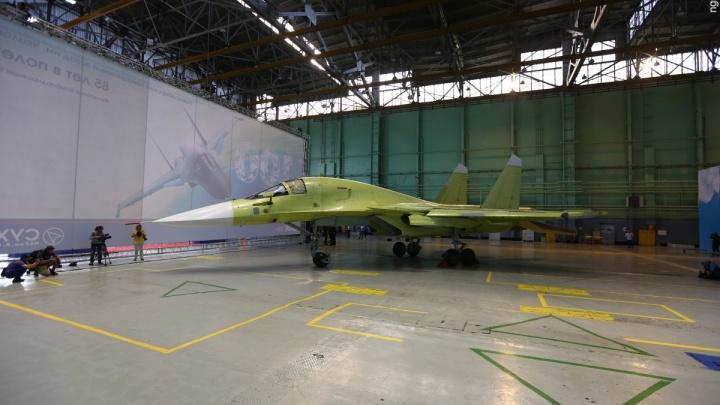 Завод Чкалова собирает 16 новых бомбардировщиков Су-34