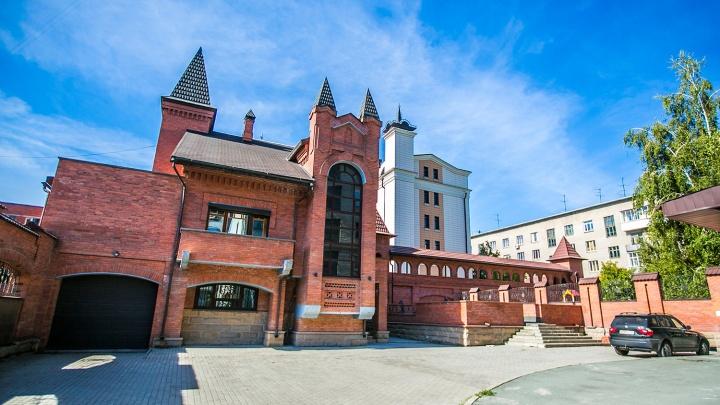 Домик с секретом: фотопрогулка по 11 самым интригующим зданиям Новосибирска