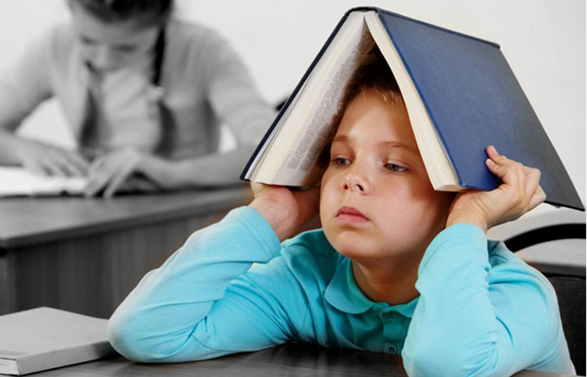 Родителям посоветовали не отдавать детей в школурано
