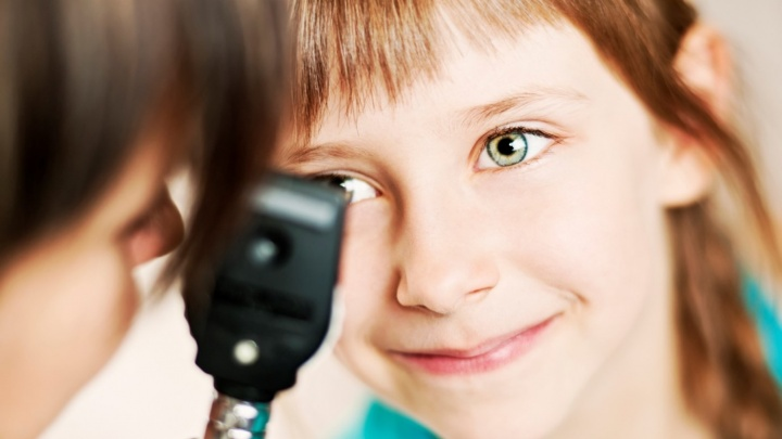 Ночные линзы помогут подросткам отказаться от очков