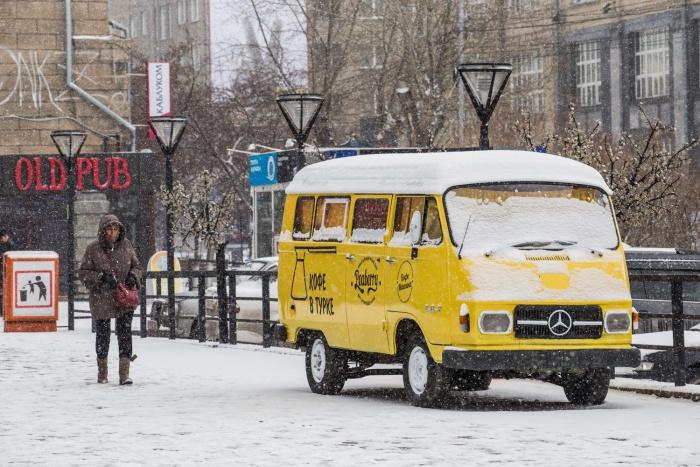 Новосибирцы удивились апрельскому снегопаду, несмотря на предупреждения синоптиков. Фото Ольги Бурлаковой