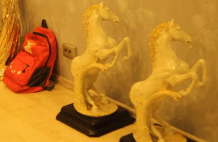 Каждую статуэтку предварительно оценили в 1 тыс. руб.