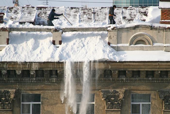 В Новосибирске от снега очистили 99 % кровель
