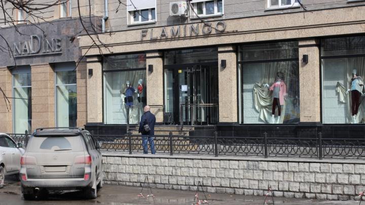 Новосибирцы обнаружили захват парковки около бутиков на Советской