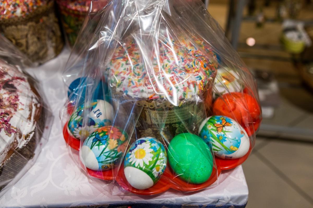В этом году в гипермаркетах продают готовые наборы для празднования Пасхи