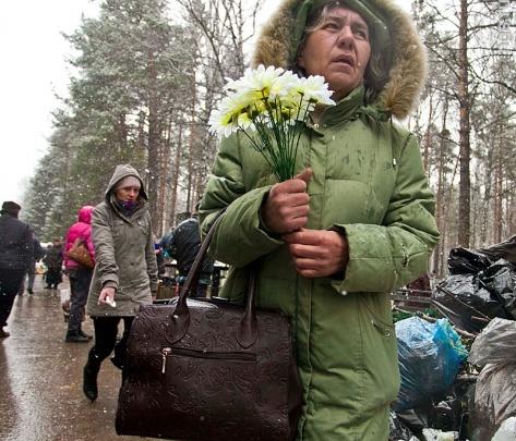 Мэрия запускает дополнительные автобусы на кладбища