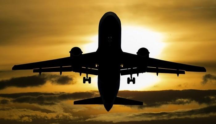Полный пассажиров самолет час не мог взлететь в «Толмачёво»