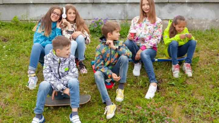 Масштабная распродажа детской одежды в магазине «Батик» продлится до 27 марта