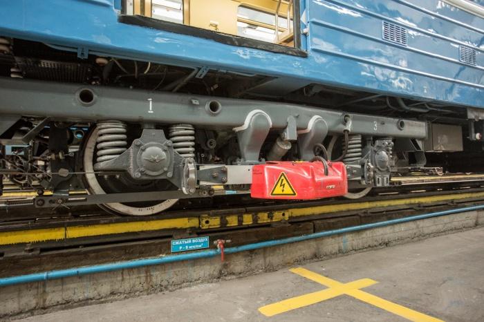 На Дзержинской линии произошел кратковременный сбой движения поездов
