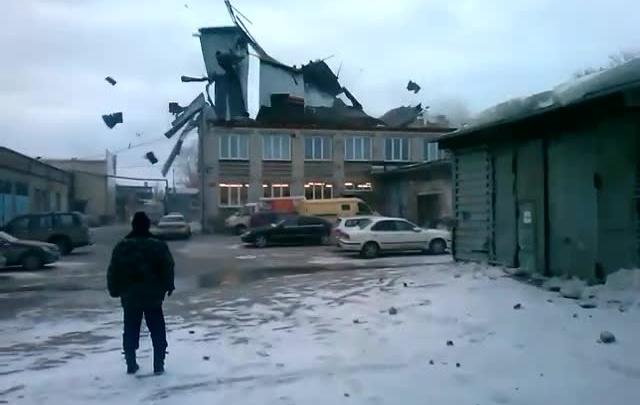 Мэрия отчиталась о разрушениях от ветра в Новосибирске