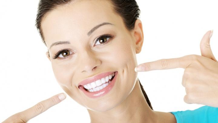 Скидки до 5000 рублей на протезирование и имплантацию зубов