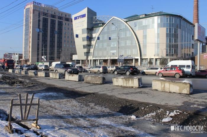 Ремонт трещины на ул. Большевистской. Фото из архива НГС