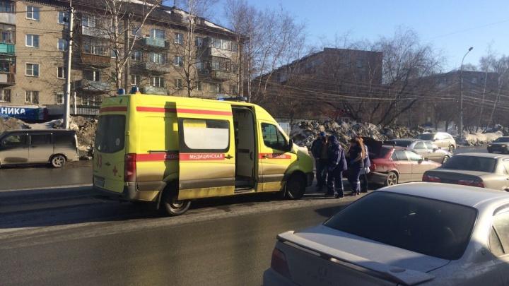 «Ниссан» протащил по дороге перенесшего инсульт водителя БМВ