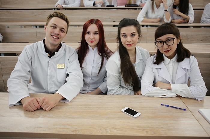 В медицинском турнире в НГУ приняли участие 110 студентов со всей России