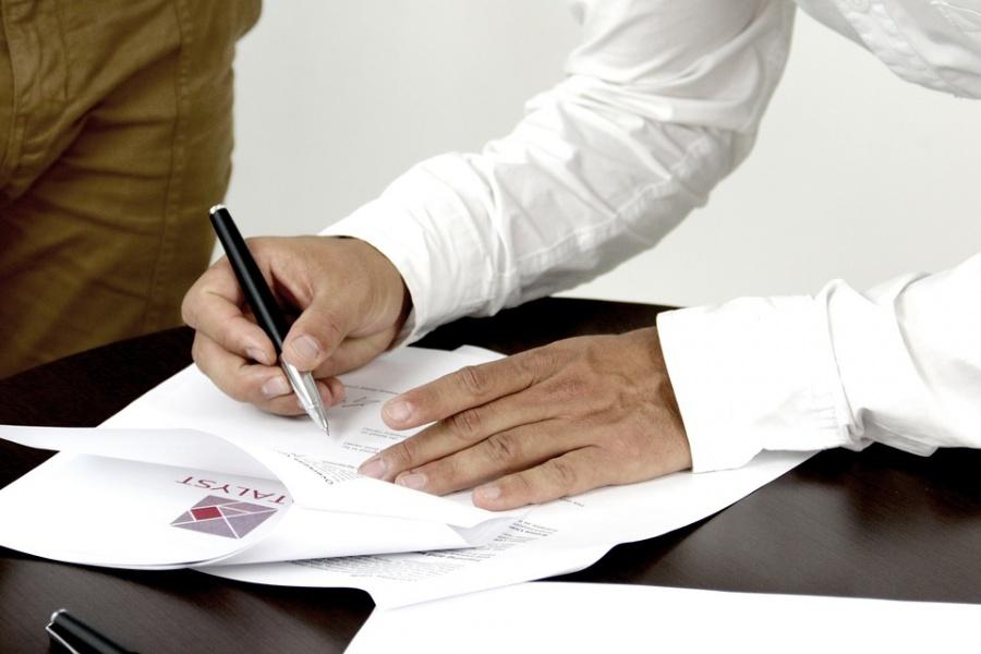 Новосибирская компания пофиктивному договору вывела изРФ 25 млн руб. - таможня