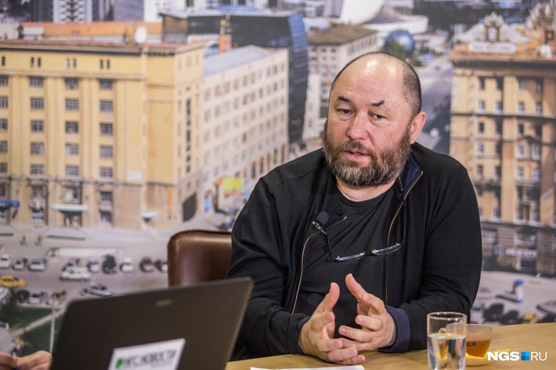 Тимур Бекмамбетов затруднился сказать, что будет с его фильмом&nbsp;«Взломать блогеров», который раскритиковали в интернете&nbsp;<br>