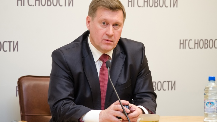 Новосибирцы заметили сходство в одежде Анатолия Локтя и президента США