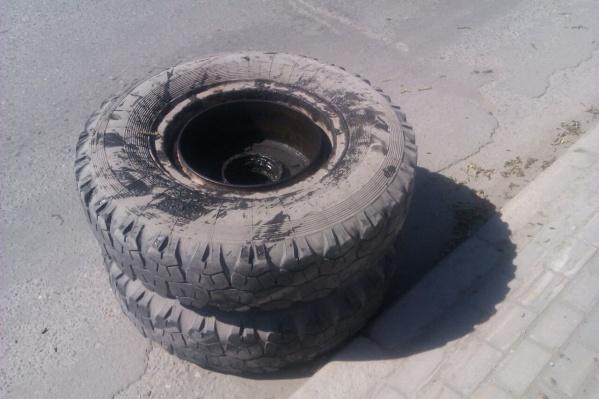Отвалившееся колесо
