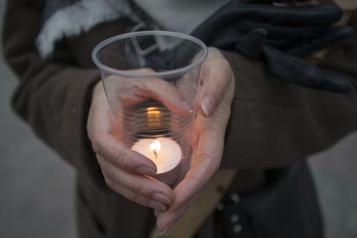 Новосибирцы почтили память тех, чьи жизни унесла трагедия в Санкт-Петербурге