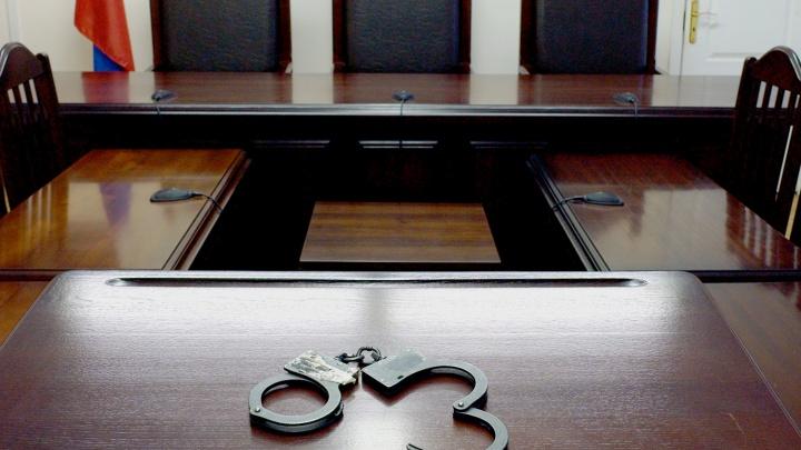 Суд отменил оправдательный приговор мужчине, убившему незваного гостя с ножом