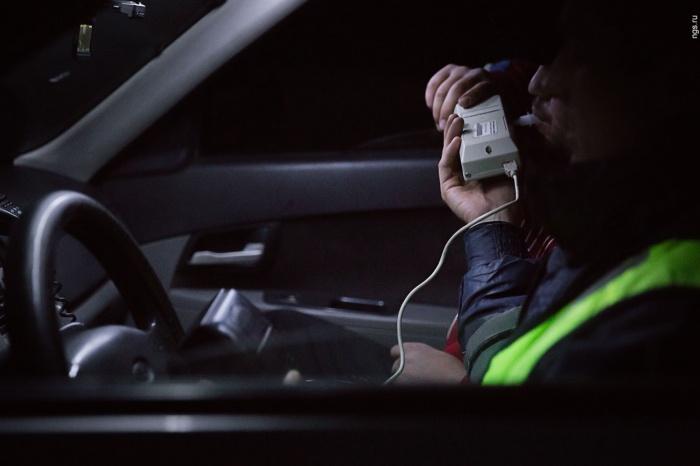 Автоинспекторы выловили на праздник почти сотню пьяных за рулем
