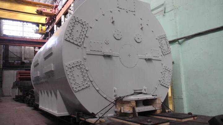 Новосибирский завод сделал гигантский турбогенератор для отправки в Калининград