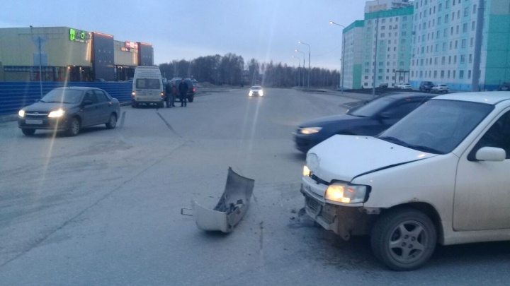 Маршрутка с пассажирами не вписалась в поворот и попала в ДТП