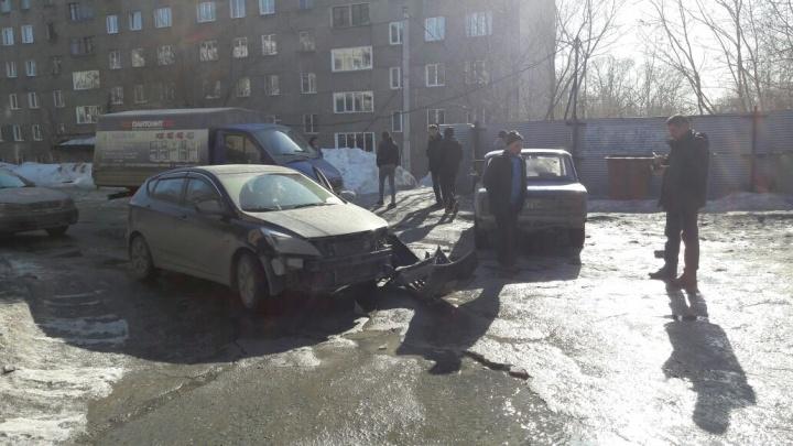 Подросток на «Жигулях» въехал в «Солярис»: женщине стало плохо с сердцем