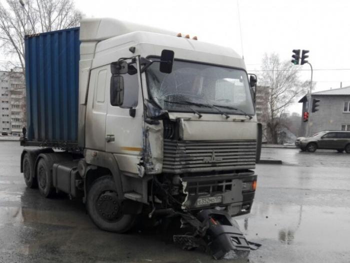 ДТП произошло в 4 км от Толмачевского кольца