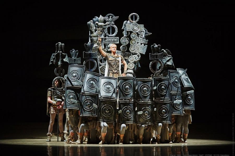 Новосибирский оперный театр стал альтернативой казарме для призывников